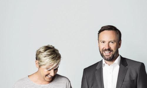 """Ulla Wannemacher und Andreas Wilfinger haben vor mehr als 20 Jahren das Unternehmen Ringana gegründet. Heute gibt es 160 Mitarbeiter, insgesamt 52 Produkte vom Shampoo bis zur Gesichtsmilch. Täglich gehen rund 7.000 Produkte in den Versand, im Vorjahr wurde für 7 Millionen Euro in Hartberg ein neues """"Frischewerk"""" gebaut."""