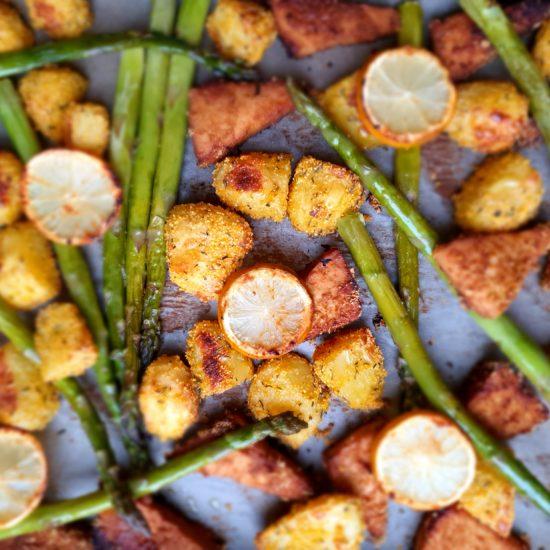 Gesunder Genuss – Spargel mit Tofu und Erdäpfel vom Blech